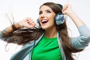 19058-happy-girl-listening-to-music-1920x1080-music-wallpaper